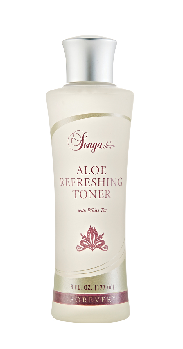 Alcohol-free toner with aloe, white tea and cucumber, that refreshes and hydrates the skin. Use morning and night, after cleansing and exfoliating.