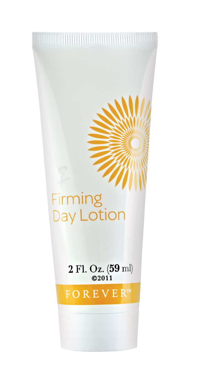 Rich in vitamins, this hydrating moisturiser supports a healthy-looking complexion and helps to maintain a youthful appearance. Its blend of aloe, elastin and special moisturisers work to tighten pores, and it can also be used as a primer before applying makeup. It also contains vitamins C and E – essential nutrients for the skin.