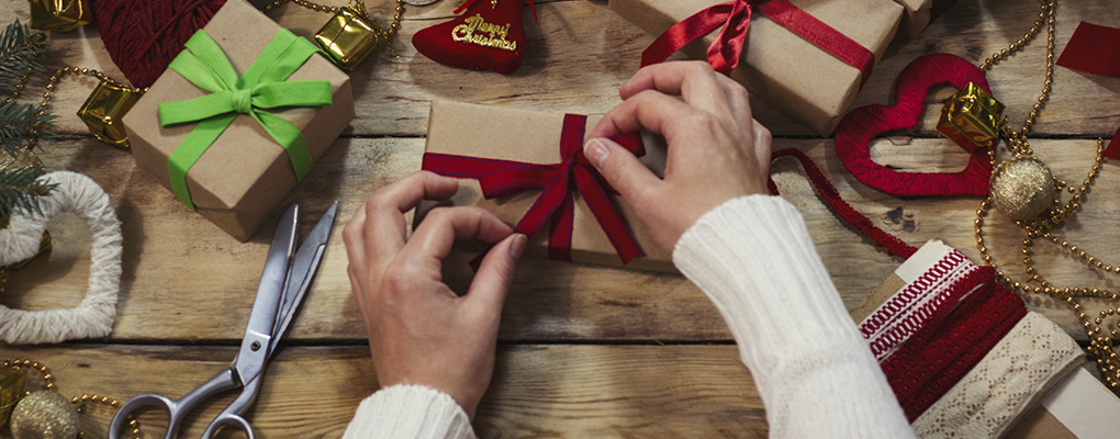 Banner image for the article Top tips for environmentally friendly gift wrapping