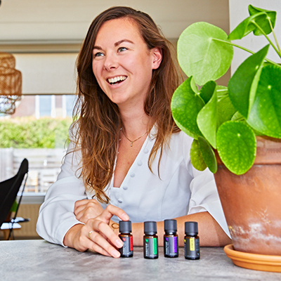 Using Forever Essential Oils for aromatherapy is a great way to both reduce stress and anxiety, and promote calm for your overall wellbeing. Butt did you know that you can also experience the benefit of aromatherapy by using a neutral carrier oil alongside your favourite Forever Essential Oil.