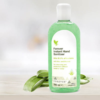 Powerful and refreshing, Forever Instant Hand Sanitizer kills 99.9% of bacteria, and is ideal for cleaning your hands quickly and effectively if soap and water are not available.